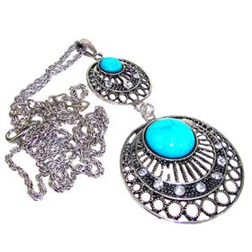 Large Eye-Catching Created Turquoise Fashion Necklace 26 inches