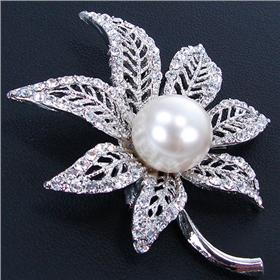 Gorgeous White Pearl Fashion Brooch