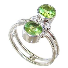 Royal Peridot Sterling Silver Ring size M 1/2