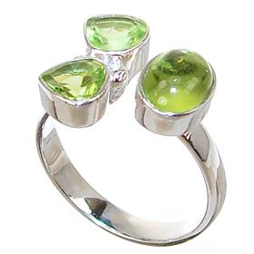 Royal Peridot Sterling Silver Ring size N 1/2