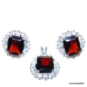 Extravagant Fabulous Royal Garnet Sterling Silver Set