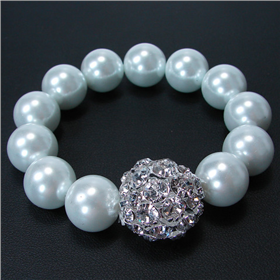 Glamorous Pearl Stretch Bracelet