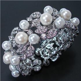 Large Glamorous Pearl Bracelet